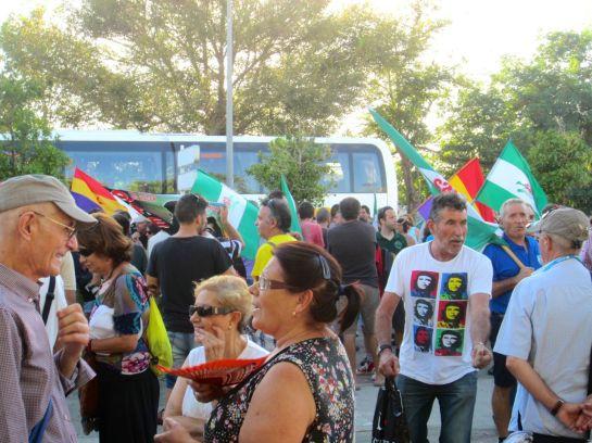 Manifestacion en La Linea, Pan, Trabajo, Techo...jpg - 18